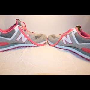 Womens New Balance 574 Classic gray pink